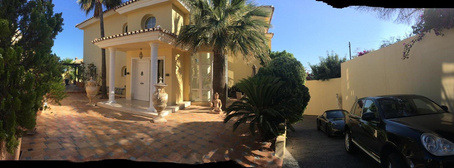 Luxury villa Torreblanca