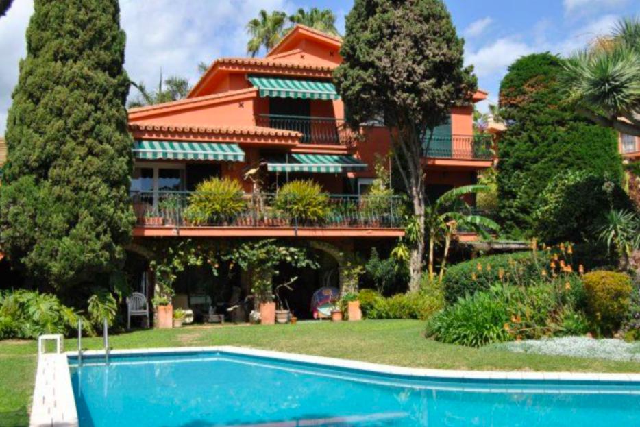 Grand Villa – A true Oasis in the Solymar/Puerto Marina District of Benalmádena